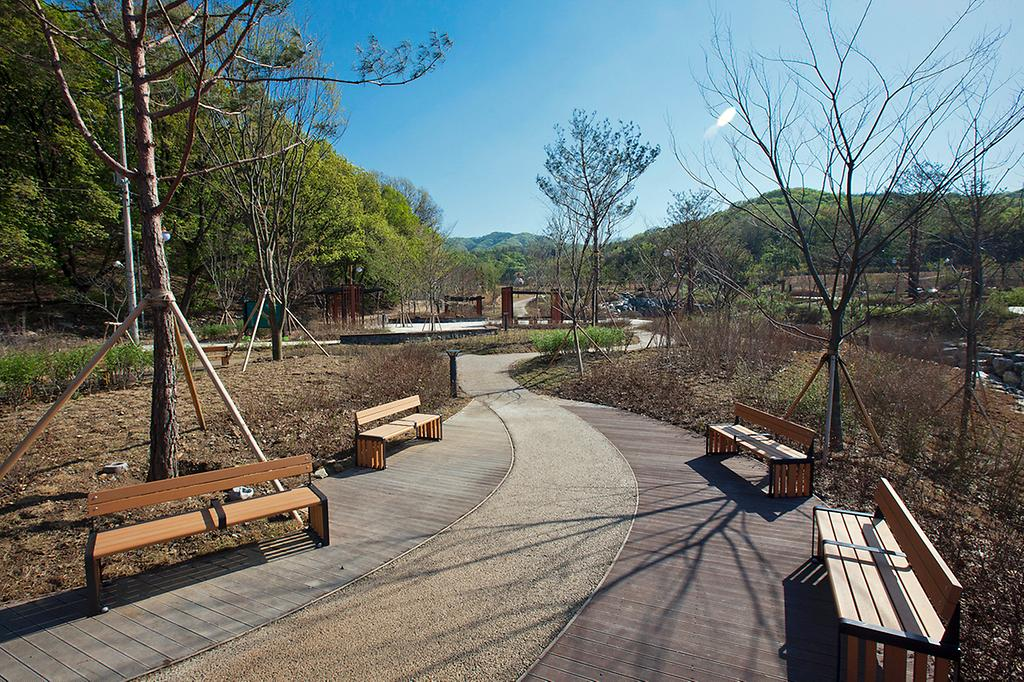 추모공원의 추모의 숲 전경 사진